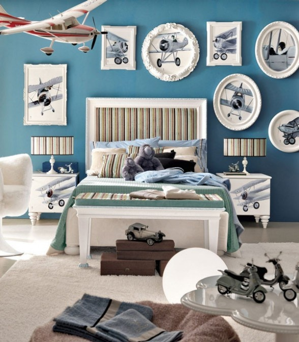 Airplane theme kid's bedroom